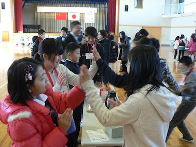 生徒交流「手遊び歌」