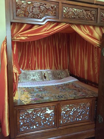 貴賓室ベッド