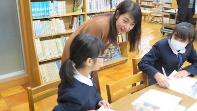 英語部生徒とコミュニケーション