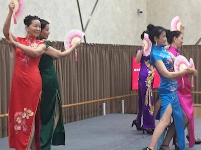 チャイナドレス舞踊