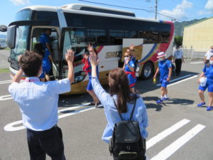 オリンピック選手村へ出発
